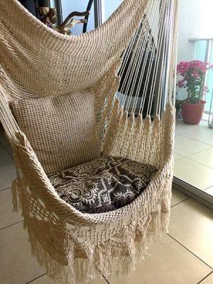 silla hamaca flecos
