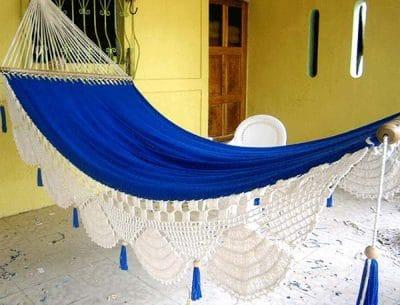 hamaca azul con blanco