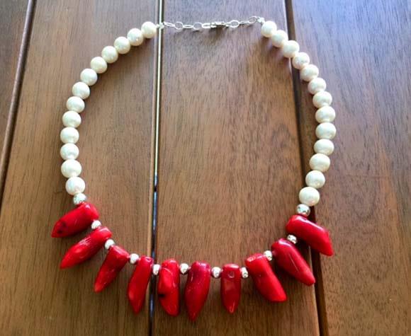 Collar coral y perlas 1