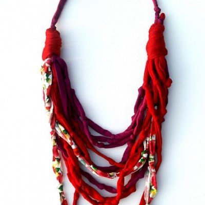 Collar rojo mixto
