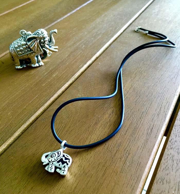 Collar pequeño elefante 1