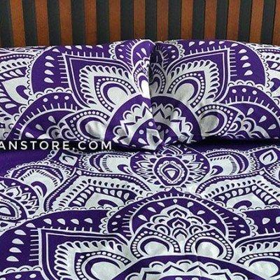 funda de almohada morada tienda de decoración